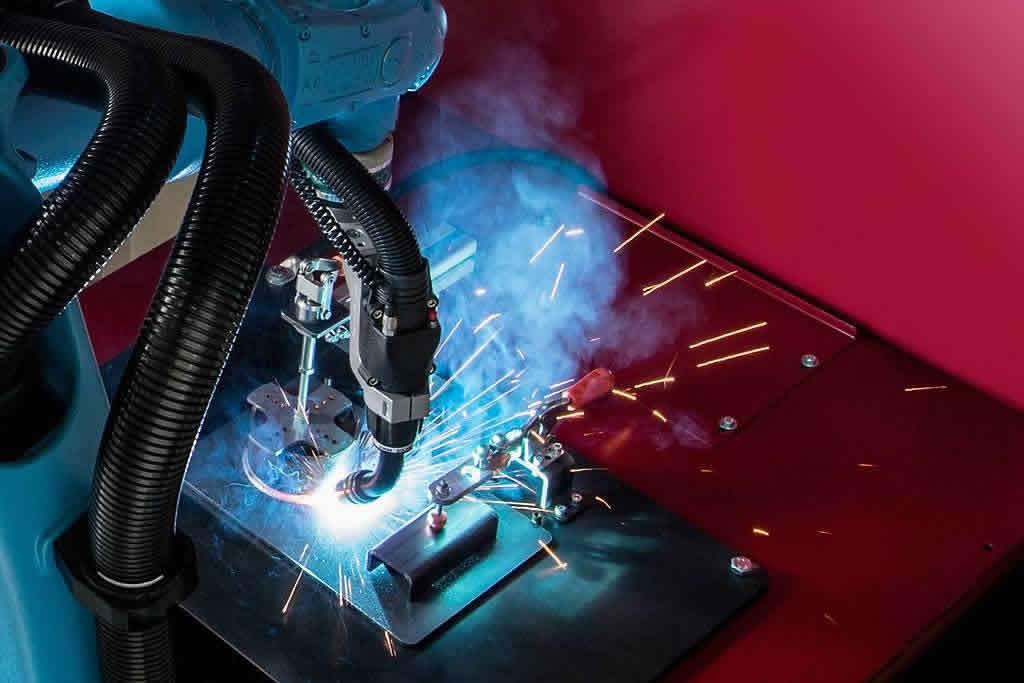 Schweißsysteme wie Schweißroboter-Anlagen, Schweißroboter-Kabinen, Widerstandsschweißen und weiteres von der Firma AKON Robotics